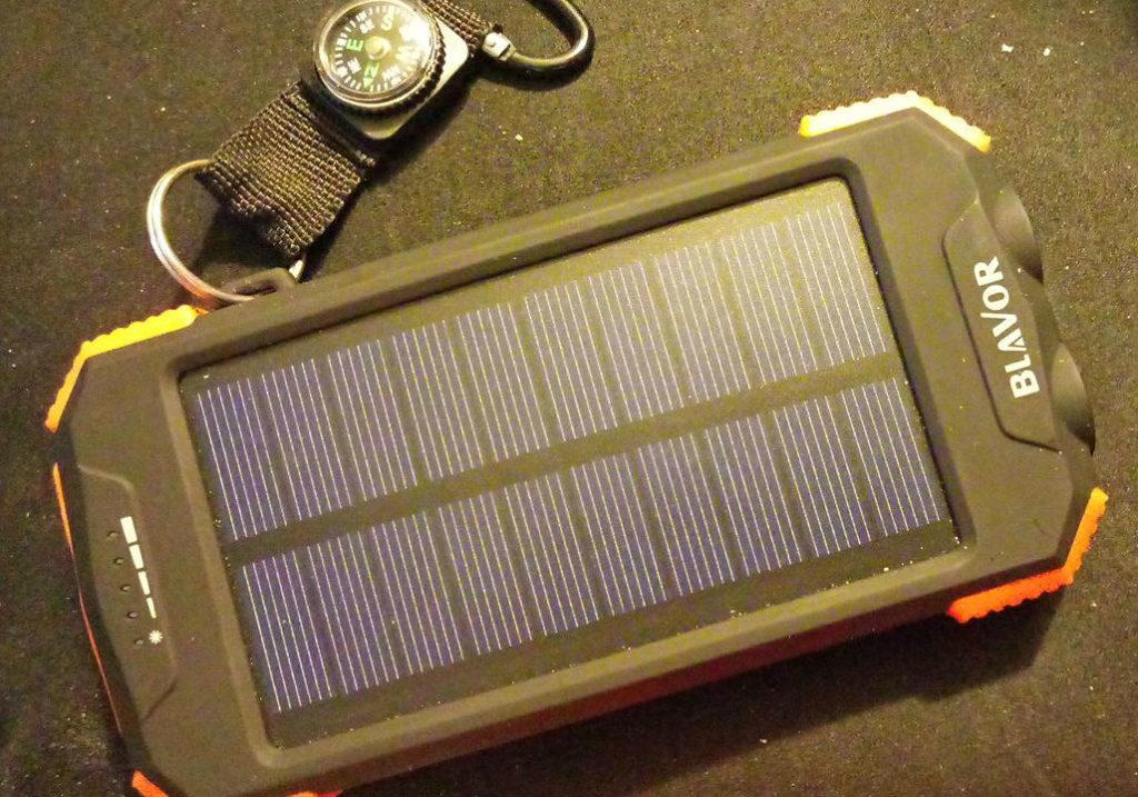 Bateria solar recargable – Qi Portable Charger 10,000mAh External Battery Pack